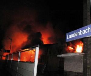 laudenbach_lagerhallenbrand2-300x249