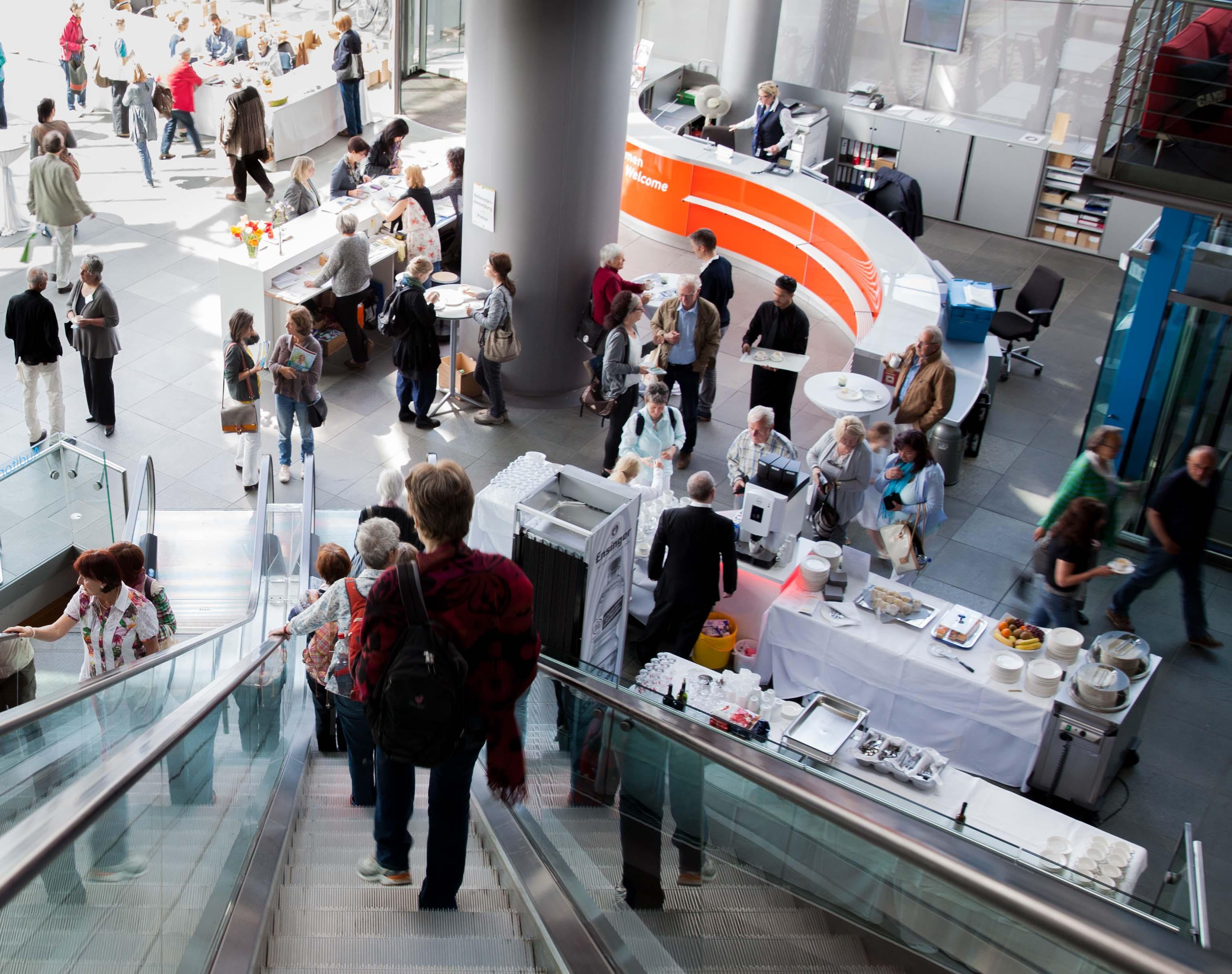 GfBK_Kongress_Foyer_Rolltreppe