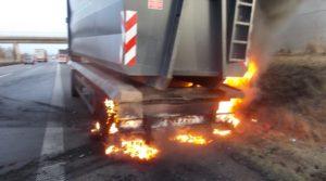 Edesheim – Lkw-Brand auf der A 65 sorgt für einen Rückstau