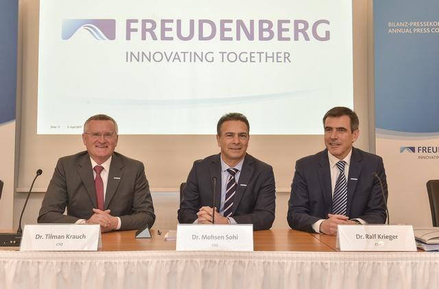 Der Vorstand der Freudenberg Gruppe (von links nach rechts) Dr. Tilman Krauch, Dr. Mohsen Sohi und Dr. Ralf Krieger während der Bilanz-Pressekonferenz.