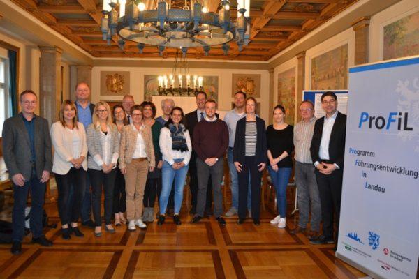 """Landau – ProFiL: """"Programm für Führungskräfteentwicklung in Landau"""" geht in die zweite Runde – Auftaktveranstaltung im historischen Empfangssaal"""
