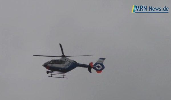 Heidelberg – Polizeihubschrauber und Feuerwehr nach Gewässerverunreinigung im Neckar im Einsatz