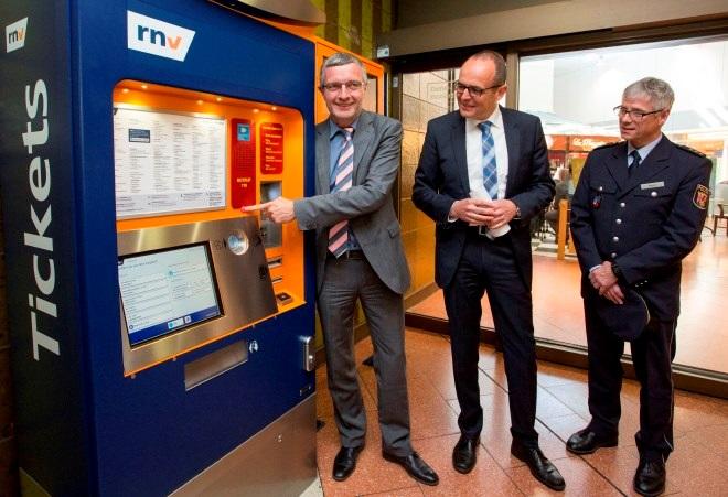 Ticketautomat mit Notruf