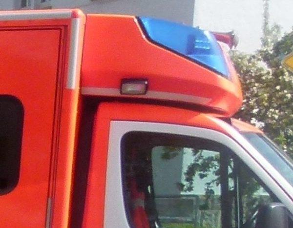 Frankenthal – Betrunkene Autofahrerin fährt auf anhaltendes Fahrzeug auf: 10.000 Euro Schaden
