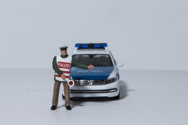 Viernheim – Autofahrer rennt vor Polizeikontrolle weg