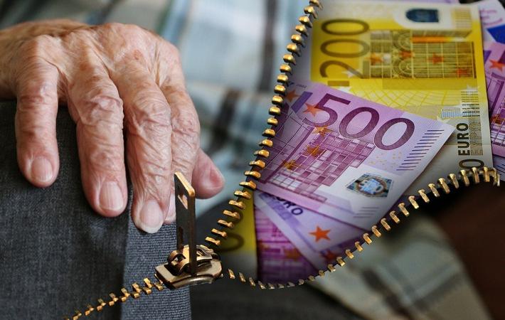 pol-pdnw-neustadt-enkeltrick-seniorin-ueberrumpelt-und-10-000-euro-erbeutet