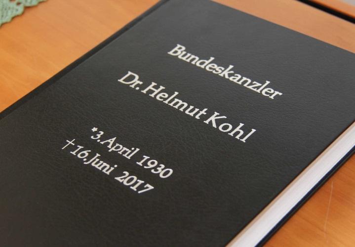 Kondolenzbuch (002)