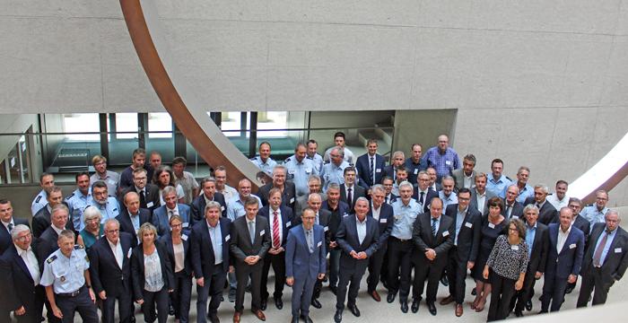 """Fußball-Sicherheitsgipfel - Innenminister Strobl: """"Wir haben eine neue Form der Zusammenarbeit begründet – vertrauensvoll, verbindlich und stressresistent"""""""