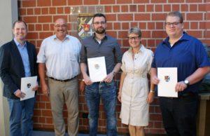 Landau – Drei neue Organisatorische Leiter für Landkreis und Stadt zu Ehrenbeamten ernannt