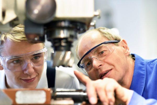 Ludwigshafen – Altersvorsorge: Warum Auszubildende sofort damit beginnen sollten
