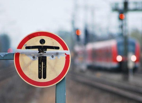 Mannheim / Ludwigshafen / Worms – Erstmeldung: Personen im Gleis zwischen Worms und Osthofen