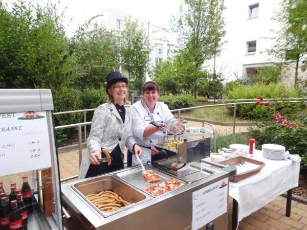 Ludwigshafen  Manege frei im Vitanas Senioren Centrum Am Rheinufer Schön war's – Zirkus-Sommerfest mit strahlenden Gesichtern