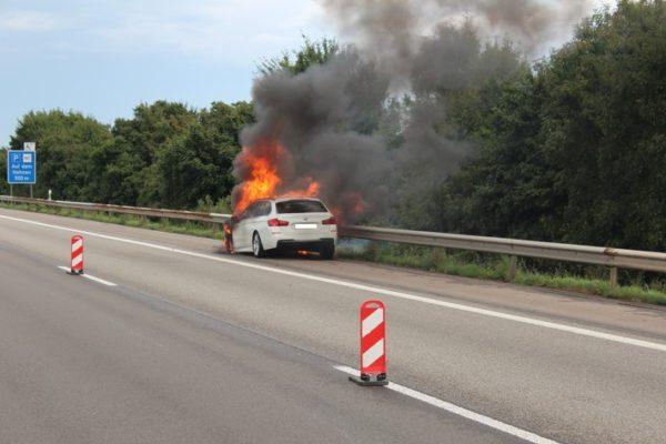 Lambsheim – Brennender PKW auf der A 61 sorgt für Vollsperrung der Autobahn!