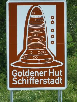 BAB-Schild Goldener Hut 1
