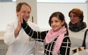 Ramona J. ist die erste Patientin am SRH Klinikum Karlsbad-Langensteinbach, die ein neues mitwachsendes Stabsystem an der Wirbelsäule eingesetzt bekommen hat