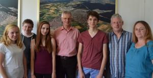 2015-08-06Besuch von Austauschschülern aus Commercy mit Gastfamilie im Rathaus Hockenheim