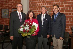 Landau – Herausragende Verdienste – Landrätin Theresia Riedmaier erhält höchste Auszeichnung des Deutschen Roten Kreuzes – Dietmar Seefeldt einstimmig zum Nachfolger gewählt