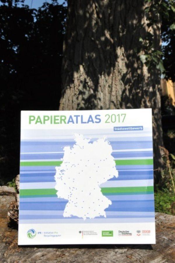 Landau – 10. Papieratlas-Städtewettbewerb – Stadtverwaltung Landau kann Anteil an Recyclingpapier auf rund 90 Prozent steigern