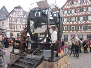 Mosbach – Mittelaltermarkt und Kunsthandwerkermarkt bilden leuchtenden Abschluss –  Finale der Mosbacher Erlebnismärkte 2017