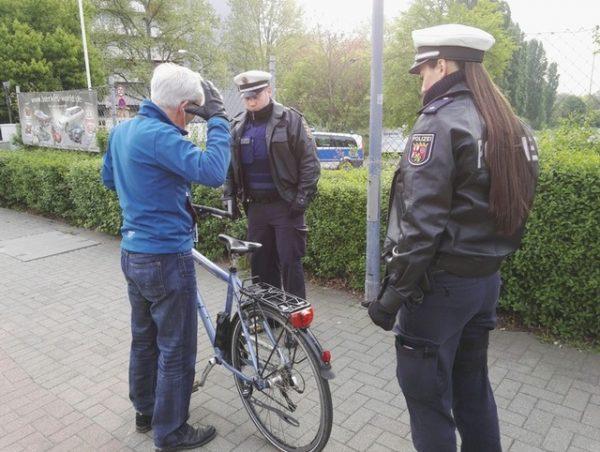 Neustadt a. d. Weinstraße – Fahrradkontrollwoche der PI Neustadt