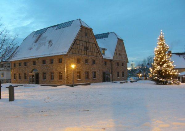 """Hockenheim – (Besinnliche) Bücher bei der """"Adventsnacht"""" vorgestellt"""