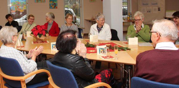 Mannheim – Wannenbad-Gruppe feiert 20-jähriges Bestehen – Caritas-Ehrenamtliche betreuen Angebot im Herschelbad