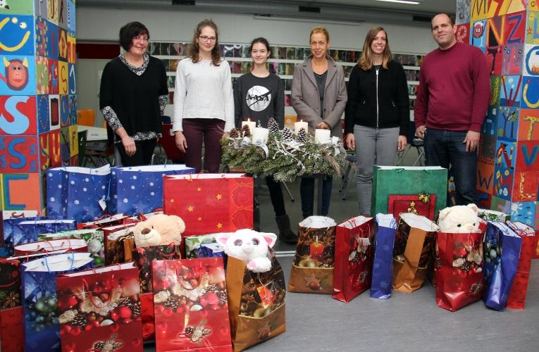 mannheim geschenke f r kinder aus caritas projekten weihnachtsaktion des ursulinen. Black Bedroom Furniture Sets. Home Design Ideas