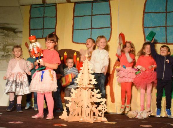 """Mosbach – Wunder der Weihnacht wurde wahr Kindergarten-Kinder mit und ohne Unterstützungsbedarf führten gemeinsam das Theaterstück """"Nussknacker"""" auf"""