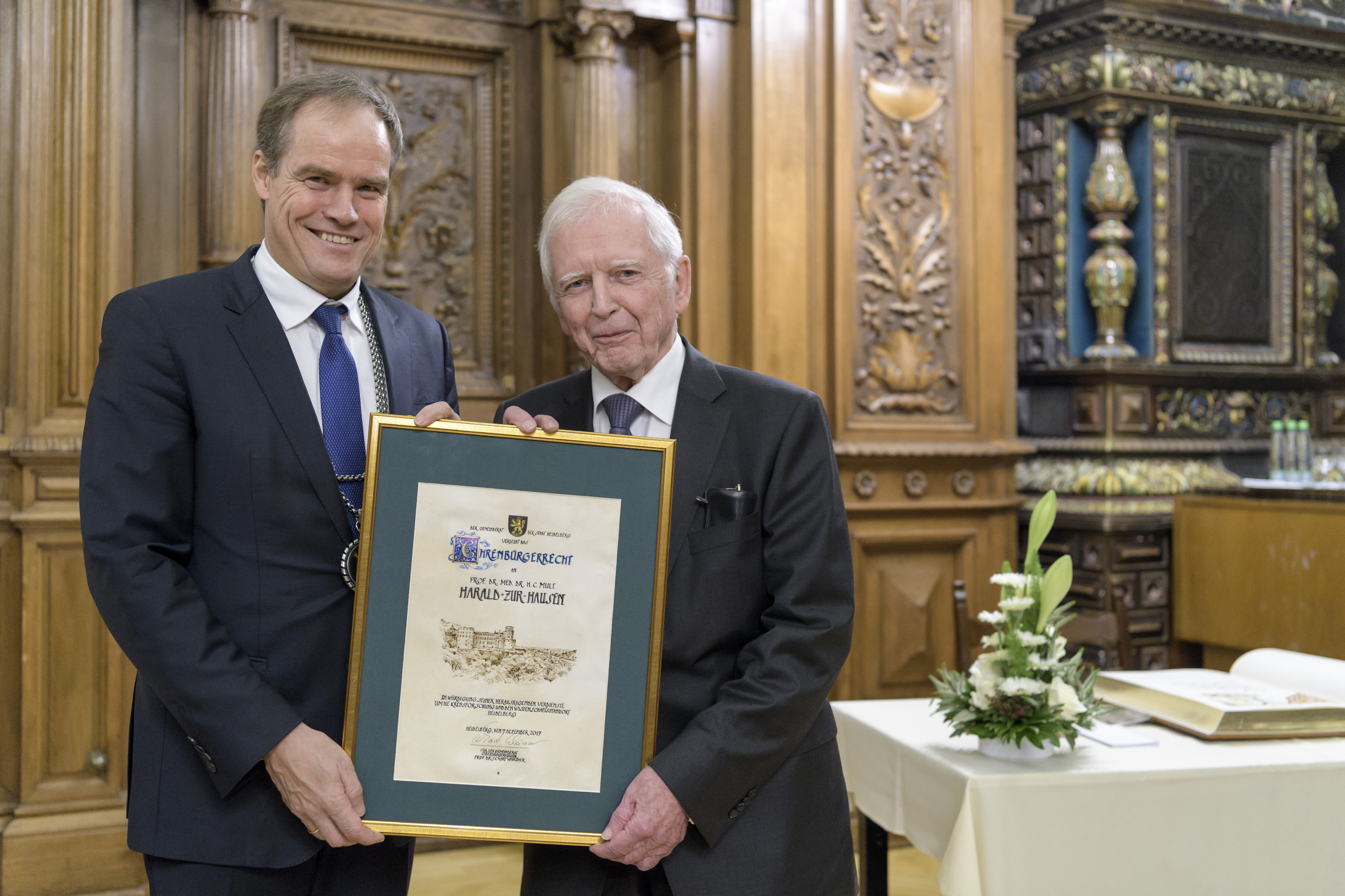 heidelberg medizin nobelpreistr ger prof dr harald zur hausen als ehrenb rger der stadt. Black Bedroom Furniture Sets. Home Design Ideas