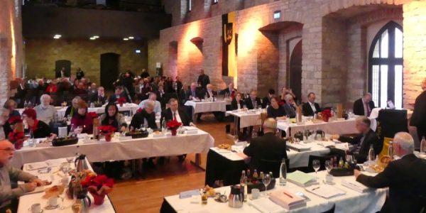 Neustadt an der Weinstraße – Höhere Erträge ermöglichen Investitionen – Bezirkstag Pfalz verabschiedet Haushalt für das Jahr 2018