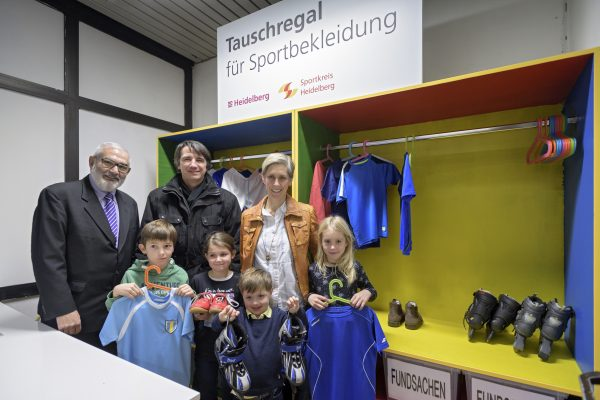 """Heidelberg – """"Sportklamotten-Tausch-Regal"""" im Sportzentrum Nord"""