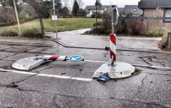 Limburgerhof – Auto überfährt Querungshilfe – Polizei sucht Zeugen