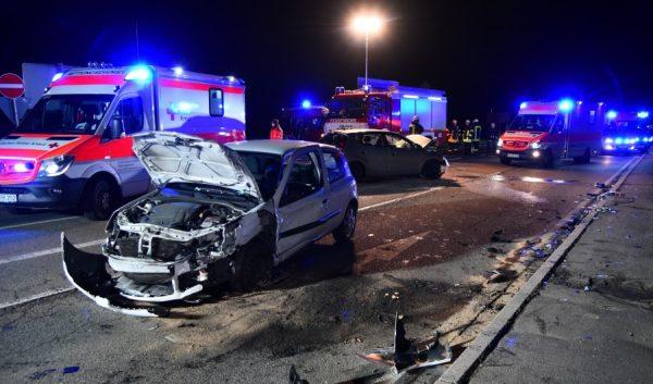 Weinheim – Schwerer Verkehrsunfall gegen 20.00 Uhr auf der Muggensturmer Straße in Weinheim-Lützelsachsen