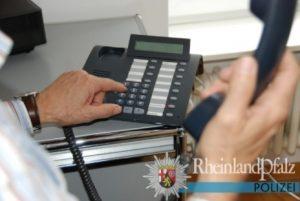 Weinheim – Zwei Anrufe durch falsche Polizeibeamte – korrektes Verhalten der Angerufenen – Lob der Beamten