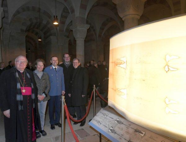 Speyer – Mit dem Glauben auf Tuchfühlung gehen – Malteser-Grabtuchausstellung im Dom zu Speyer eröffnet