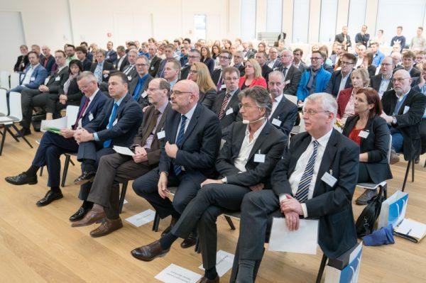 Weinheim – Fit für die Arbeitswelt der Zukunft Bildungszentrum für Freudenberg Gruppe eröffnet