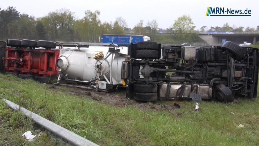 Speyer – B9 Unfall – LKW kippt in der Auffahrt zur A 61 in ...