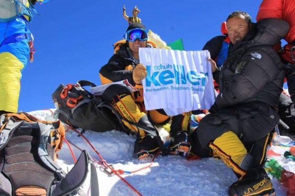 Ludwigshafen – Logo von Schuh-Keller ziert Mount Everest –  den höchsten Berg der Welt