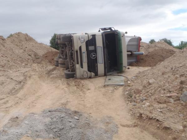 Worms – LKW umgekippt – Fahrer verletzt