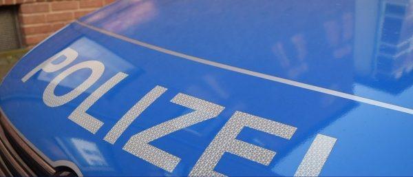 Mannheim – A6 -Reifen geplatzt, Fahrzeug brennt völlig aus