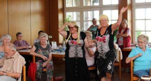 """Mannheim – """"Jeder hier achtet auf den einzelnen Menschen"""" – Caritas-Ehrenamtliche gestalten Erholung für Seniorinnen"""