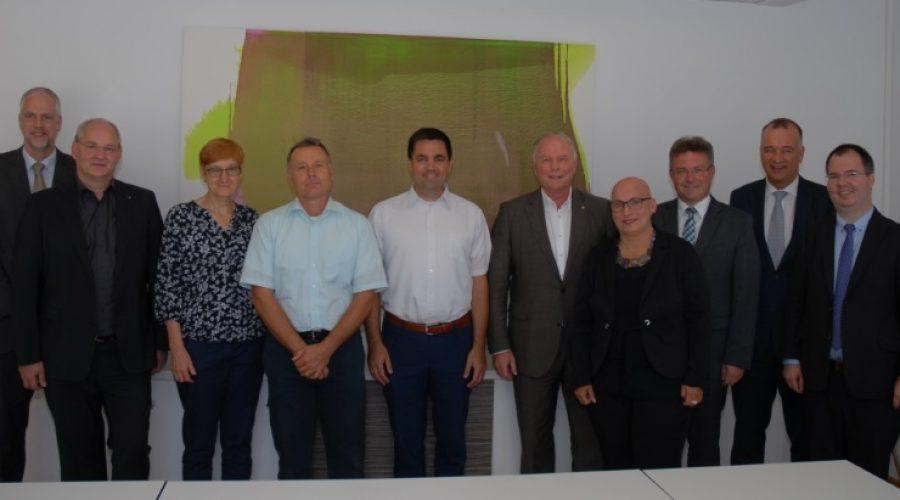 Mosbach – Standortqualität weiter verbessern – IHK-Vollversammlungsmitglieder im Dialog mit Politik