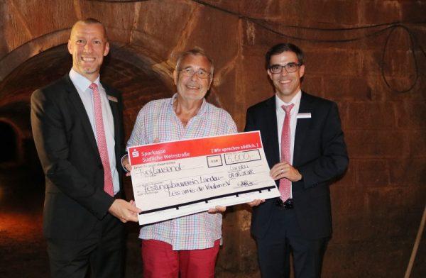 Südliche Weinstraße – Stiftung der Sparkasse spendet 5.000 Euro
