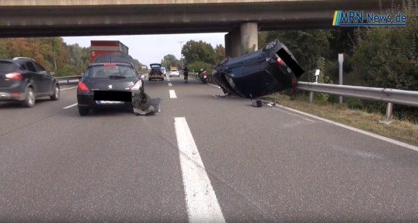 Rhein-Pfalz-Kreis – VIDEO: Schwerer Unfall PKW überschlägt sich auf B9 drei Verletzte