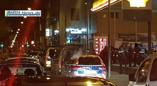 Ludwigshafen – Schon wieder – 19-Jähriger nach Messerangriff schwerverletzt – diesmal an Tankstellengelände in der Sternstraße