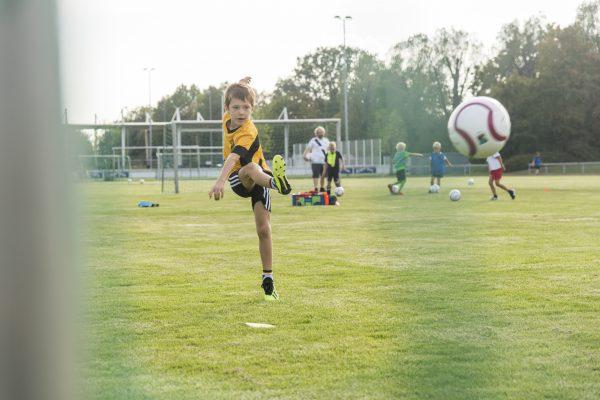 """Heidelberg – """"Fair gespielt ist halb gewonnen"""": Fairer Handel und Fußballtraining beim Heidelberger Sportclub e.V."""