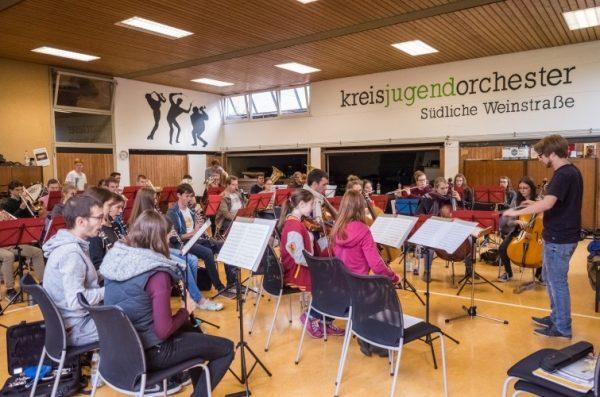 Landau – KreisJugendOrchester SÜW – Jochen Schnepf übernimmt Leitung zum Jubiläumskonzert am 27. Oktober