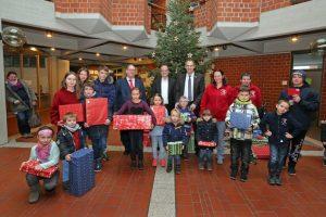 Landau – Weihnachtsüberraschung für Kinder – Jugendrotkreuz Südliche Weinstraße beschenkt bedürftige Kinder aus dem Landkreis