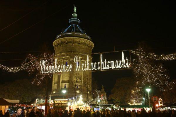 Mannheim – Halbzeit-Trends auf dem Mannheimer Weihnachtsmarkt am Wasserturm