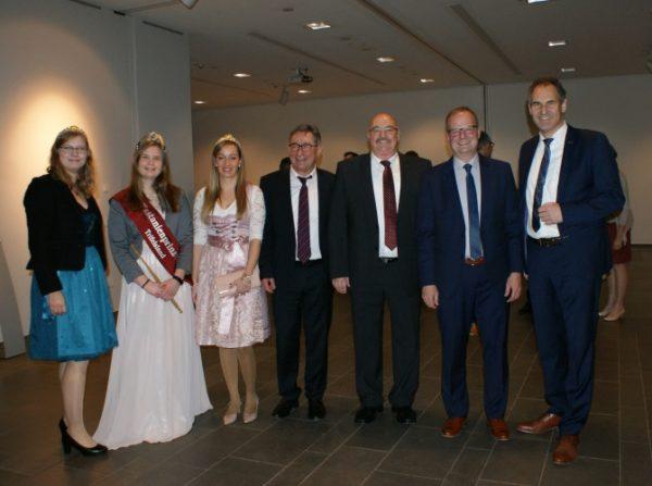 Landau – Gelungener Start ins Jubiläumsjahr – Landkreis feiert Auftakt mit traditionellem Neujahrsempfang – Verdiente Hüttendienstler geehrt